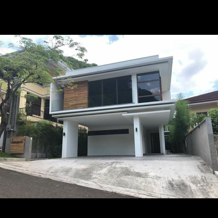 Brand New House in Maria Luisa